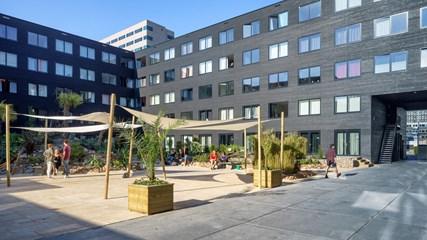 Ravel Residence / Campus