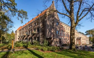 Herbestemming klooster en school